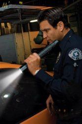 Peli 8060 LED akkumulátoros taktikai/rendőrlámpa 803 lm
