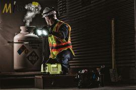 Peli 9455 10 LED-es akkumulátoros kézi+teleszkópos robbanásbiztos (ATEX,IECEx) térvilágító lámpa, Zóna 0 - 1600 lm